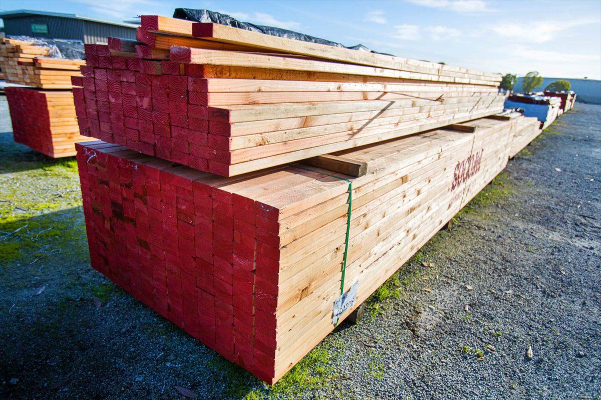 Monument Lumber - Lumber yard